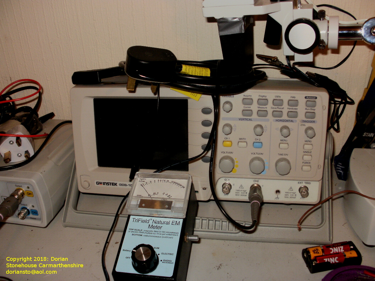 An oscilloscope and magnetometer